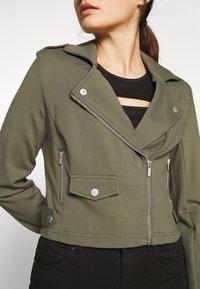 ONLY Petite - ONLPOPTRASH BIKER JACKET - Summer jacket - kalamata - 4