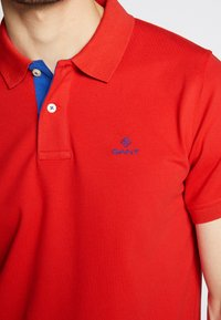 GANT - CONTRAST COLLAR RUGGER - Piké - bright red - 4