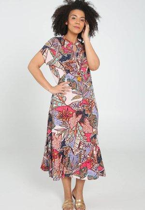 Vapaa-ajan mekko - multi color