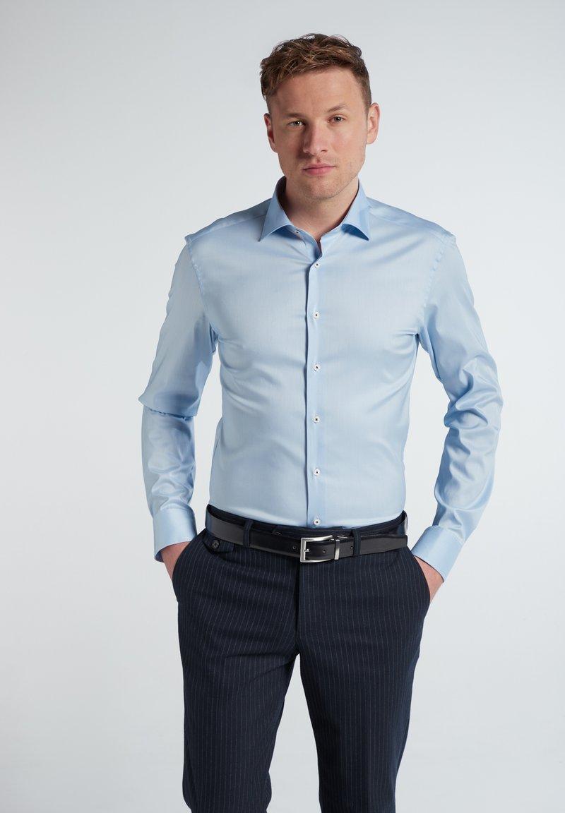 Eterna - SLIM FIT - Formal shirt - hellblau