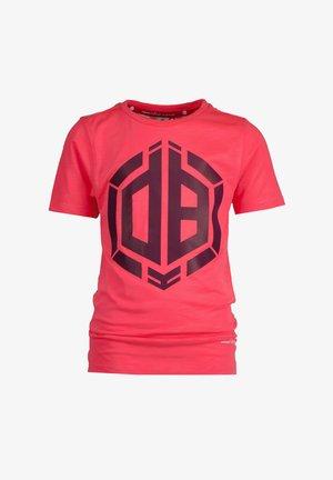 HALLIS - Print T-shirt - flu red