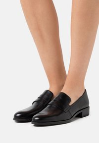 Unisa - BARBER - Slippers - black - 0