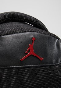 Jordan - RETRO 13 PACK - Rucksack - black/gym red - 5