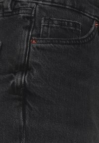 Monki - Jeansshorts - black dark - 7