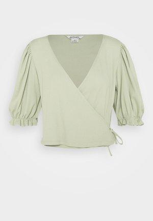 ULLA  - T-shirts med print - green