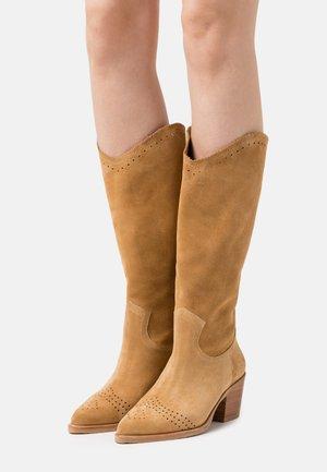 Cowboy/Biker boots - light cognac
