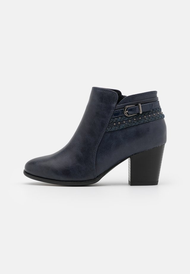 WIDE FIT WHAM - Boots à talons - navy