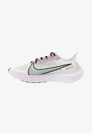 ZOOM GRAVITY - Neutral running shoes - white/pistachio frost/iced lilac/black