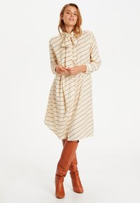 Saint Tropez - Day dress - biscotti flower row - 0