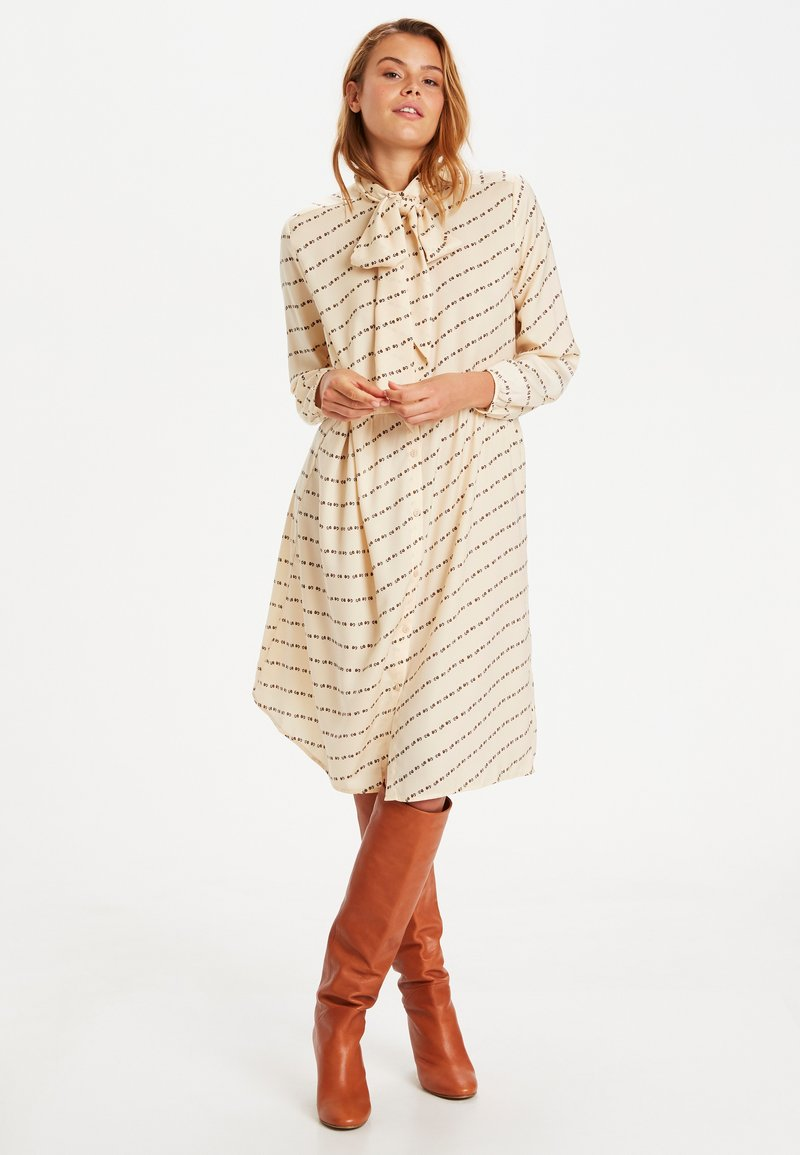 Saint Tropez - Day dress - biscotti flower row