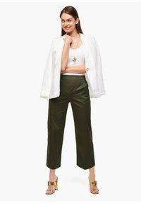 s.Oliver BLACK LABEL - POPELINE - Trousers - dark khaki green - 0