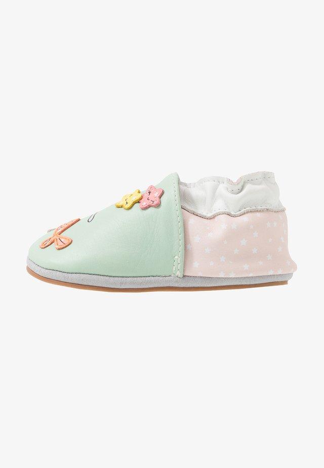 FISHCAT - First shoes - vert clair blanc