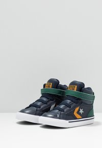 Converse - PRO BLAZE STRAP - High-top trainers - obsidian/midnight clover/saffron yellow - 3