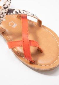 New Look - HAMMOCK - Sandály s odděleným palcem - orange/yellow - 2