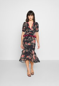 Hope & Ivy Petite - Shift dress - dark blue floral - 0