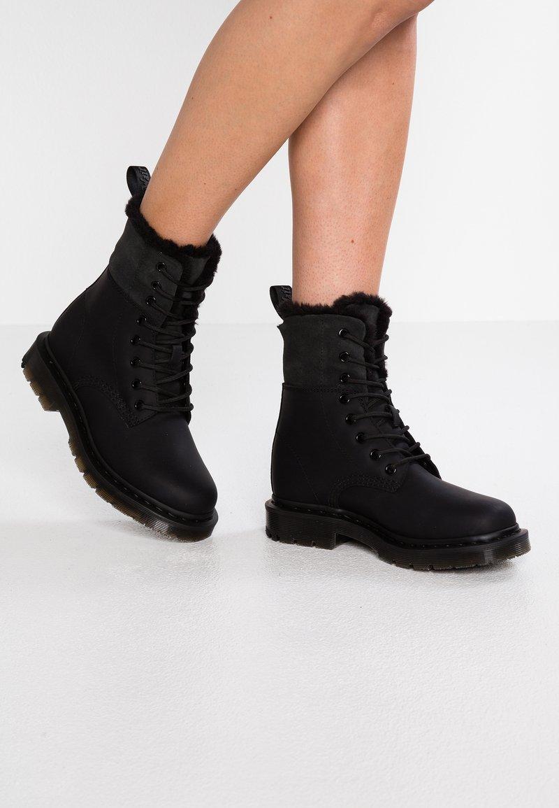 Dr. Martens - 1460 KOLBERT SNOWPLOW - Lace-up ankle boots - black
