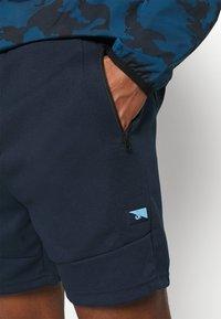 Jack & Jones - JJIAIR - Sports shorts - navy blazer - 4