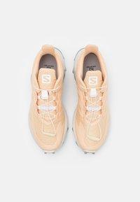 Salomon - SUPERCROSS  BLAST - Trail running shoes - almond cream/lunar rock/quarry - 3