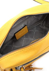 Tamaris - ADELE - Across body bag - yellow - 4