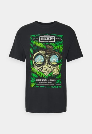 BROOKLYN BROADCAST GARMENT DYE - Print T-shirt - black