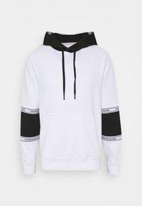 Calvin Klein Jeans - BLOCKING LOGO TAPE HOODIE - Sweat à capuche - bright white - 3