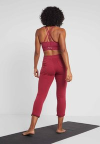 Hey Honey - Tracksuit bottoms - red - 2