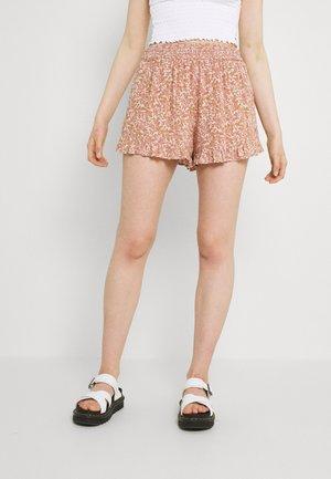 RUFFLE RUNNER - Shorts - pink