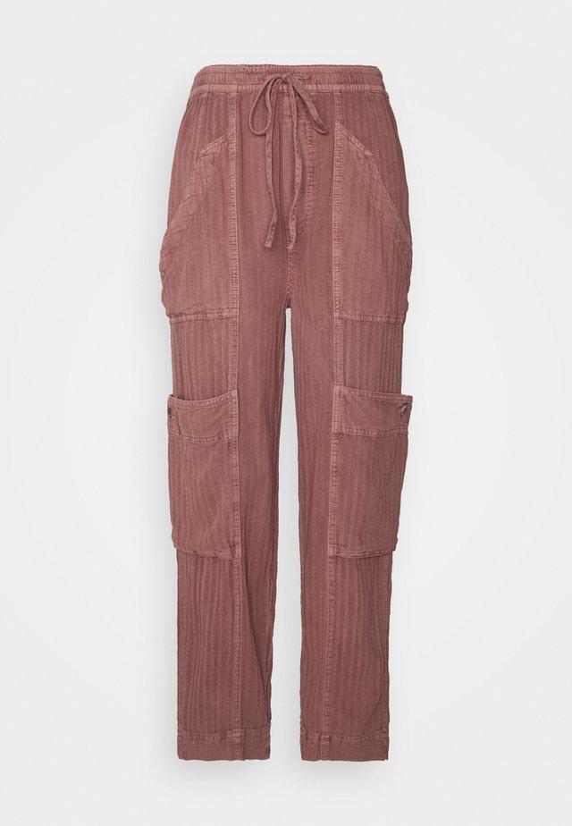 FEELIN GOOD UTILITY PULL - Kalhoty - mauve