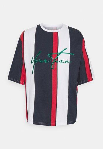 UNISEX - Print T-shirt - blue/red/white