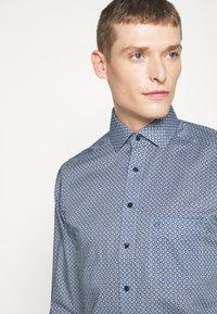 OLYMP Luxor - Luxor - Formal shirt - bleu - 3
