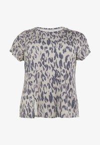 YOGA CURVES - SLIT - Camiseta estampada - sand - 3