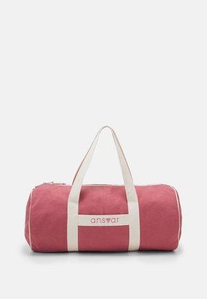 ANSVAR III 24 LITER - Sports bag - altrosa