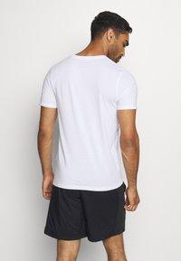 Jack & Jones - JCOZ SPORT LOGO TEE 2 PACK - T-Shirt print - black/white - 2