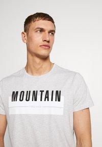 Bogner Fire + Ice - FOX - T-shirt print - mottled grey - 3