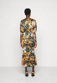 Never Fully Dressed Tall - BLOOM PRINT LINDOS DRESS - Robe d'été - navy/multi - 2