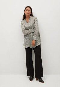 Violeta by Mango - TANIA - Button-down blouse - benvit - 1