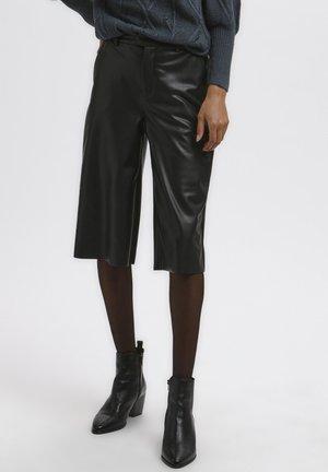 KAVIRISA  - Shorts - black deep