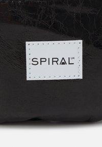 Spiral Bags - BUM BAG - Bum bag - black glaze - 4