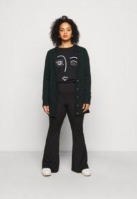 New Look Curves - BLING EYELASH - Print T-shirt - black - 1
