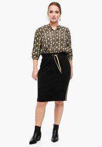 Triangle - A-line skirt - black - 1