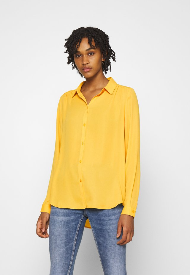 VILUCY BUTTON - Button-down blouse - spicy mustard