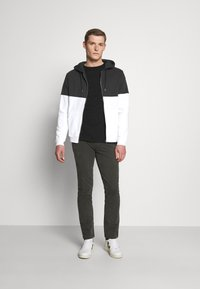 Pier One - Zip-up hoodie - black/white - 1