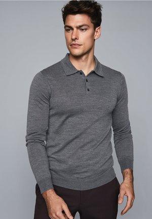 TRAFFORD - Polo shirt - grey