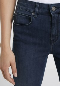 DRYKORN - WET - Jeansy Skinny Fit - mid blue wash - 3