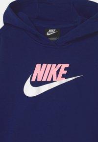 Nike Sportswear - PLUS CLUB CROP HOODIE - Sweatshirt - blue void/arctic punch/white - 2