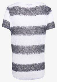 comma casual identity - Print T-shirt - grey/black - 1