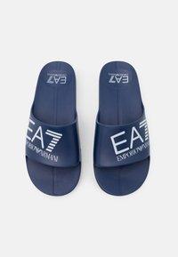 EA7 Emporio Armani - UNISEX - Pool slides - navy/white - 3