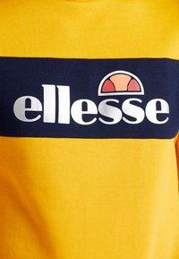 Ellesse - NEBBIOLO - Sudadera - dark yellow - 5