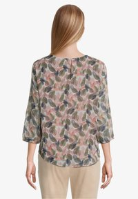 Betty & Co - Blouse - bunt
