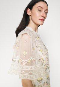 Needle & Thread - REVERIE ROSE BALLERINA DRESS - Společenské šaty - champagne - 4